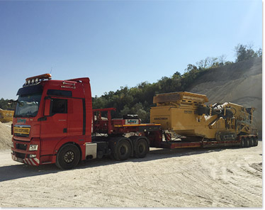 Transport of oversized loads and heavy equipment
